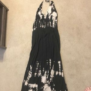 Dresses & Skirts - Halter maxi dress